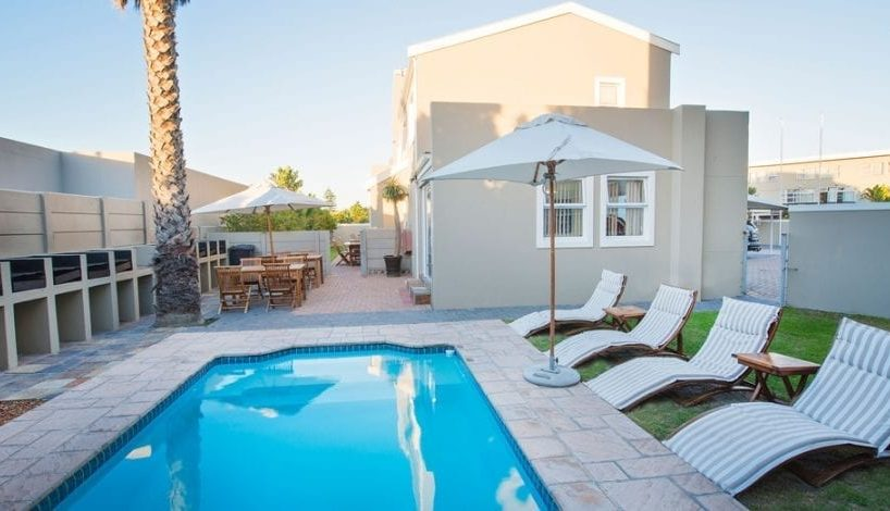 Viola 19 • Bloubergstrand Holiday Apartments & Accommodation • CTV