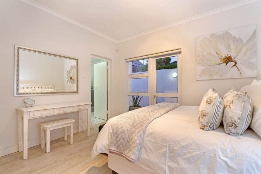 13 The Meadway Camps Bay Beach Apartment11
