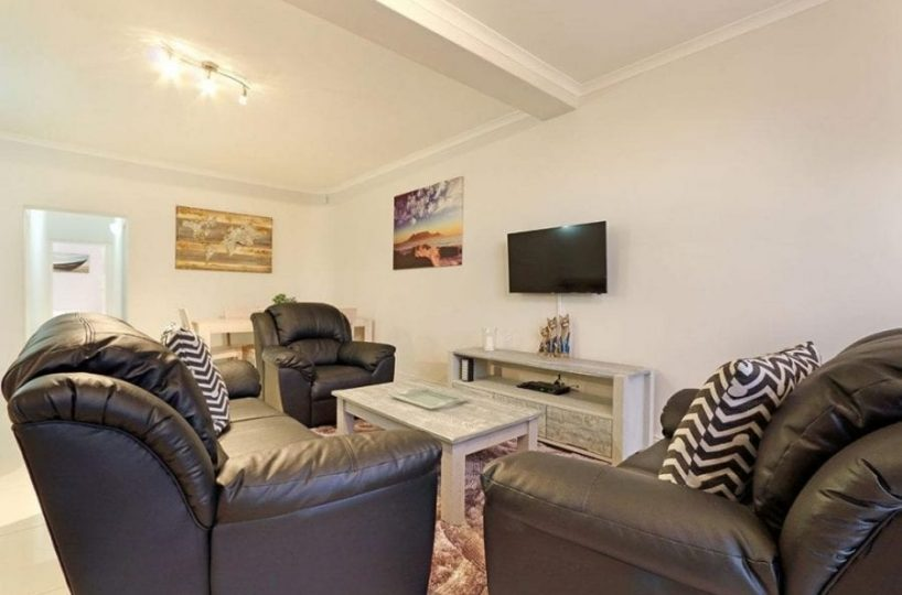 13 The Meadway Camps Bay Beach Apartment2