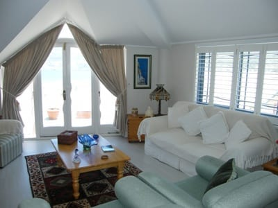 46 The Village hout bay accommodation self catering10