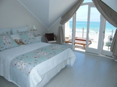 46 The Village hout bay accommodation self catering11