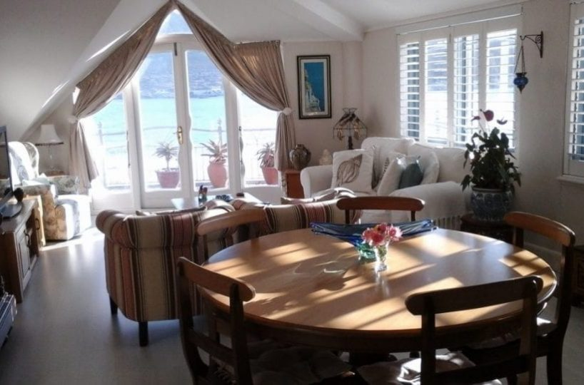 46 The Village hout bay accommodation self catering5