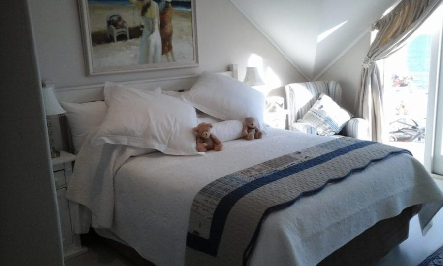 46 The Village hout bay accommodation self catering6