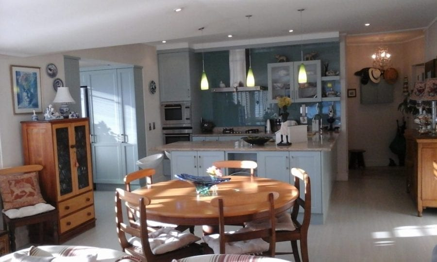 46 The Village hout bay accommodation self catering8