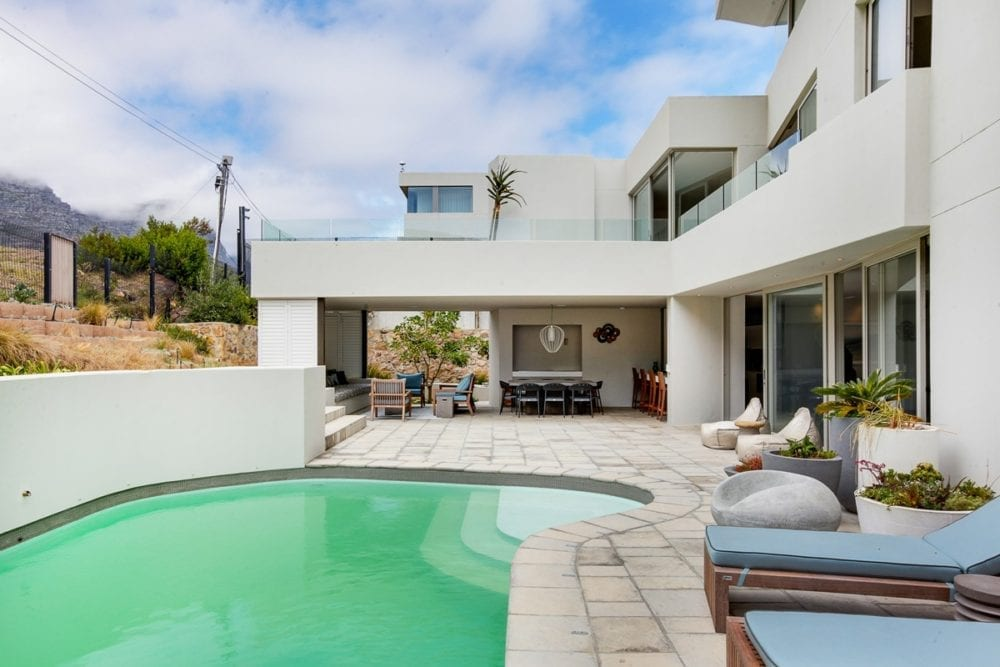 Hely Views • 5 Bedroom Luxury Camps Bay Villa Accommodation