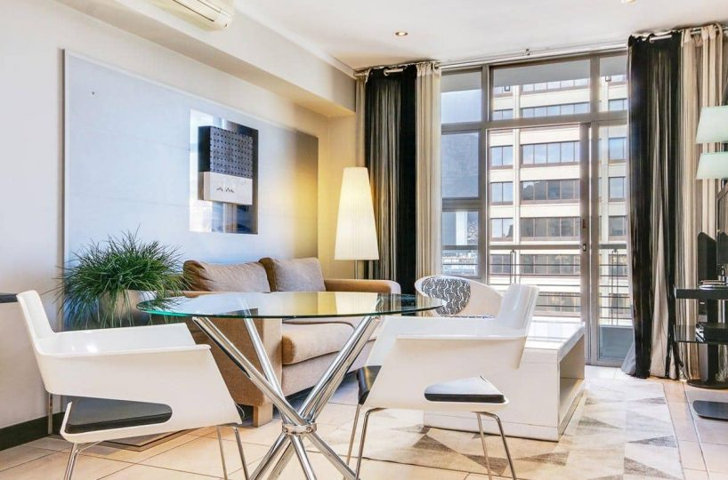 1700 Icon • Luxury 1 bedroom apartment at Icon in Cape Town CBD