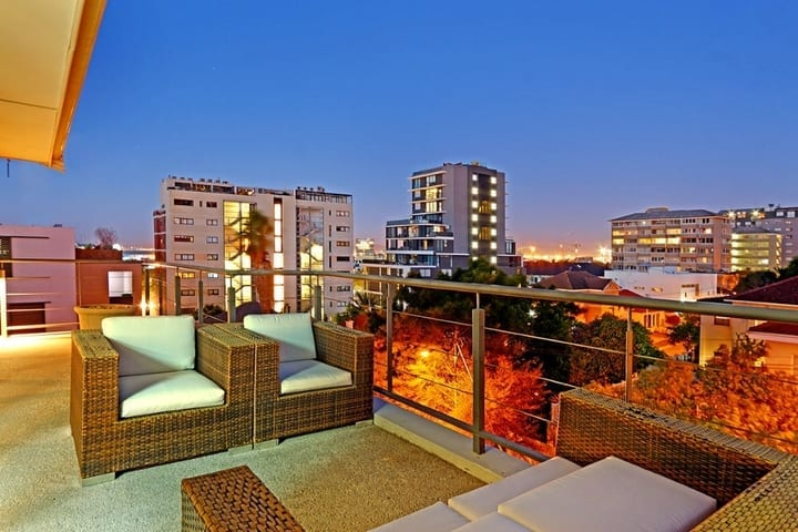 Residence Penthouse • Luxury Greenpoint Apartment Accommodation