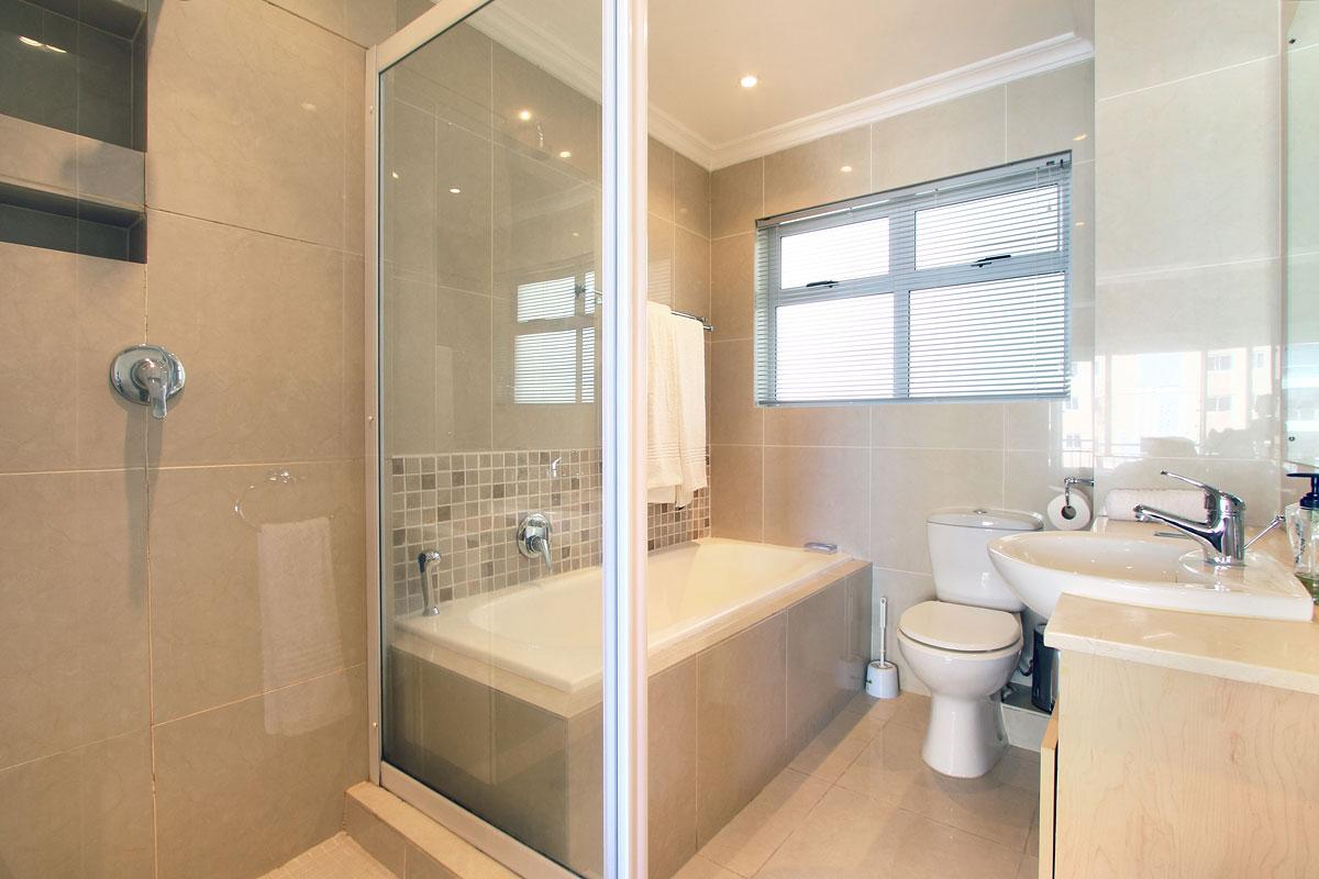 Westridge Mouille Point Accommodation 13