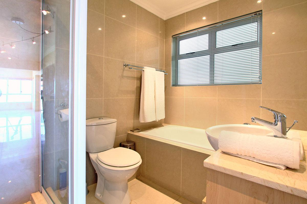 Westridge Mouille Point Accommodation 17