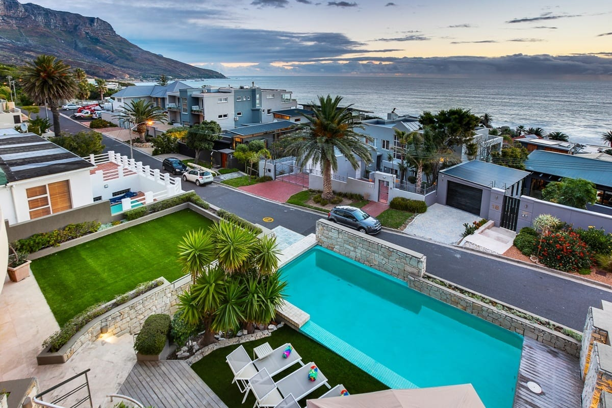 Lions Crest Villa • + MORE Luxury Camps Bay Villa to rent in South Africa