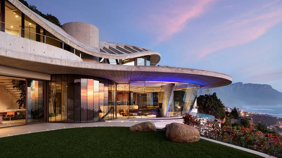 Iron Man House AKA Pengilly House in Clifton Cape Town 2