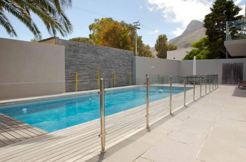 central-drive-central-drive-swimming-pool-glass-fencing-16074455