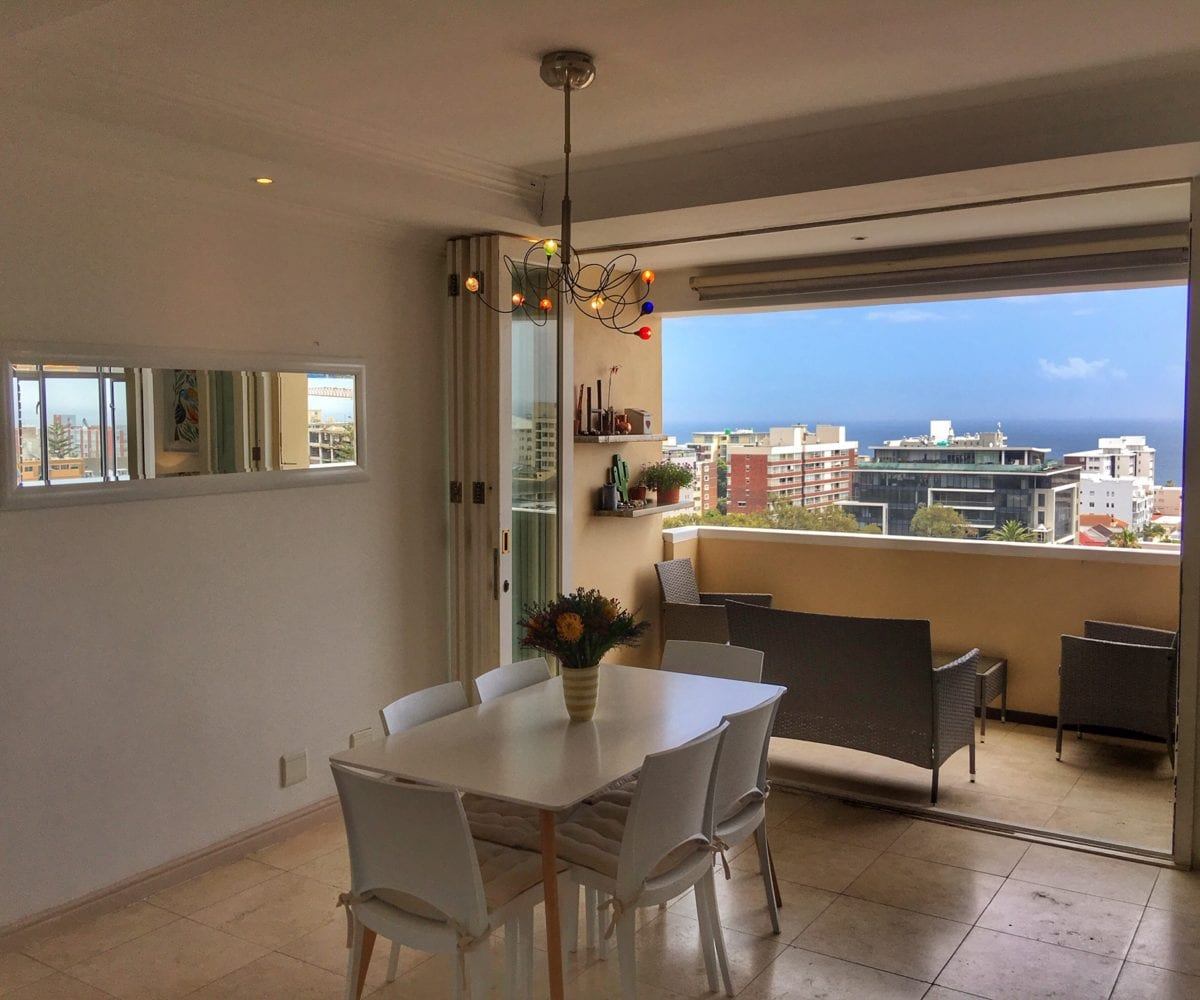 Sea Point Holiday Apartment4
