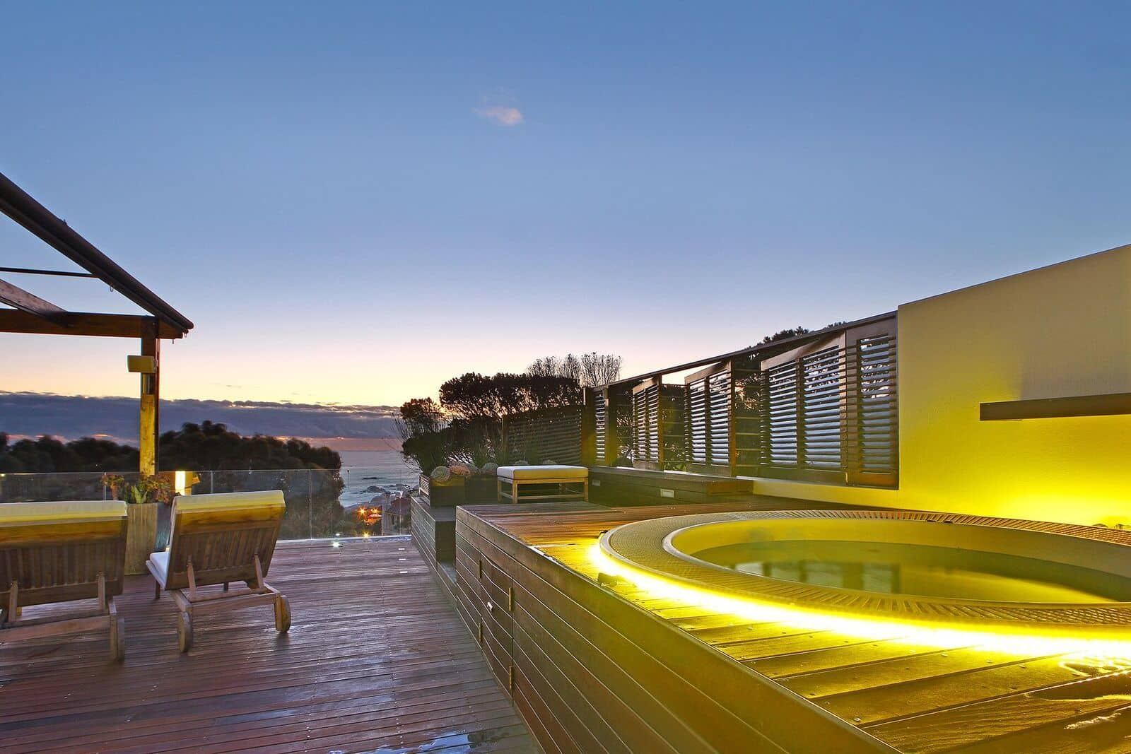 Glen Sunsets Villa 11 The Grange Camps Bay 25
